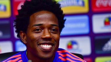 Carlos Sánchez sonriente durante la conferencia de prensa en Sviyazhsk.