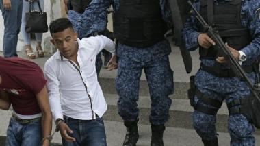 Jesús David de la Cruz Ortiz, a su salida del Palacio de Justicia de Soledad.