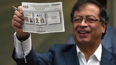 """""""Vamos bien"""", dice Petro tras votar en Puente Aranda"""