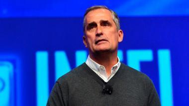 Renuncia el CEO de Intel tras mantener relación dentro de la empresa