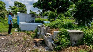 Osamentas están al aire libre por vandalismo en Santa María