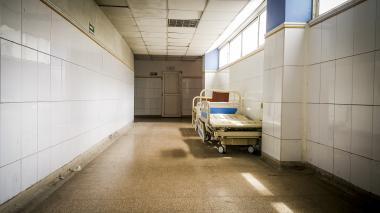 El interior del Hospital Universitario Cari ESE de alta complejidad permanece vacío.
