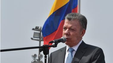 Santos llama la atención a gobernadores y alcaldes por hacinamiento carcelario