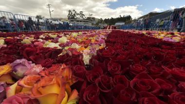 Ecuador busca nuevo título Guinness con arreglo de 500.000 rosas