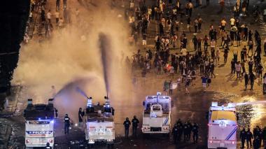 Cerca de 300 detenidos en Francia por incidentes durante festejos del Mundial