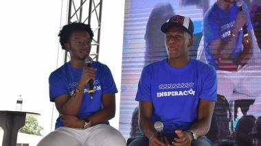 Juan Guillermo Cuadrado y Yerry Mina contando sus experiencias futbolísticas y de vida.