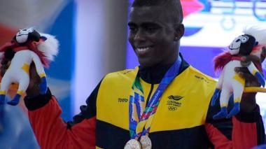 Jhonatan Rivas, sin despeinarse, logró dos medallas de oro