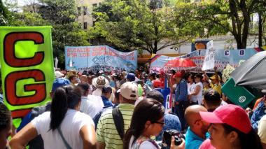Docentes durante uno de sus marchas en Barranquilla.
