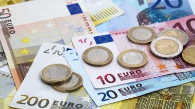 El euro se recupera levemente frente al dólar