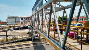Puente peatonal de El Parque, ahora es una 'casa en el aire'