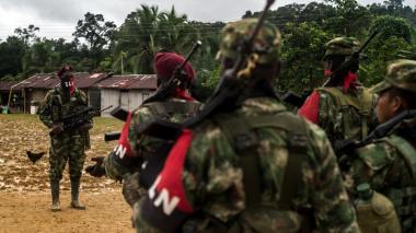 ELN entrega prueba de supervivencia de ingeniero secuestrado en Arauca