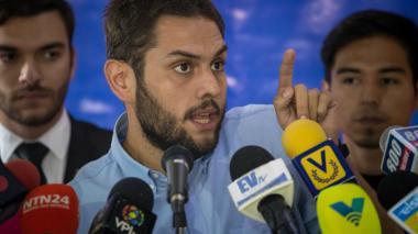"""Diputado conversó con su familia tras 100 horas de detención por """"atentado"""" contra Maduro"""