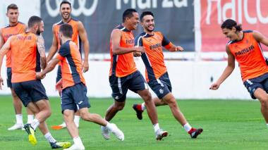 Carlos Bacca, sonriente y feliz en su regreso al Villarreal de España