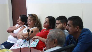 Los seis detenidos durante la audiencia de este martes.