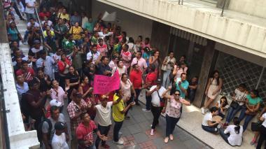 En video | Así le prohibieron a periodista de EL HERALDO ingresar a audiencia pública del alcalde de Ciénaga