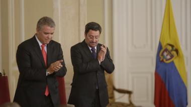"""Duque pide a Francisco Santos """"desnarcotizar"""" relaciones con EEUU"""