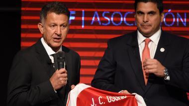 Juan Carlos Osorio fue presentado como técnico de Paraguay