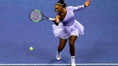 La tenista estadounidense Serena Williams impuso su experiencia y categoría en la semifinal del US Open.