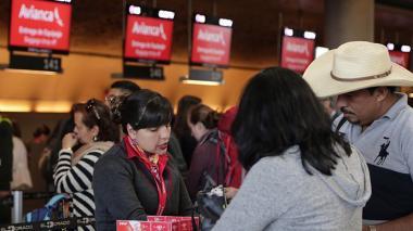 Usuarios afectados por mal transporte aéreo podrán reclamar ante la SIC