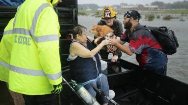 Huracán Florence provoca inundaciones y deja cientos de damnificados en EEUU