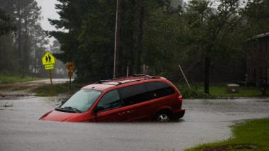 """Paso de Florence mantiene riesgo de inundaciones """"catastróficas"""" en EEUU"""