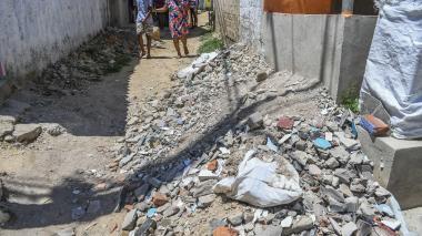 Denuncian obras inconclusas de pavimentación en Carrizal