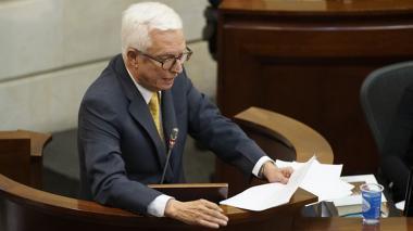 Duro cruce de afirmaciones entre el ministro Carrasquilla y el senador Robledo