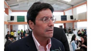 """""""Todas las opciones con Venezuela deben ser consideradas"""": Francisco Santos"""