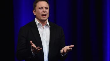 """Demandan a dueño de Tesla por trino que """"confundió a los inversores"""""""
