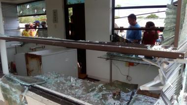 Destrucción total se registró en la sede de la Dian en Paraguachón, La Guajira.