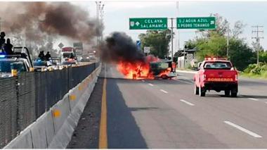 Diez presuntos criminales mueren tras enfrentarse con policías de México
