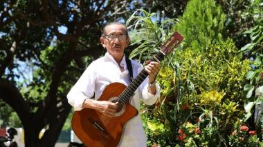 Murió el legendario guitarrista Hugues Martínez