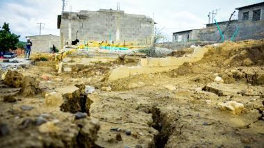 Advierten riesgo de colapso en casas gratis de Puerto