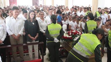 "En video   ""Violadores deben pagar con cadena perpetua"": Ramírez en funeral de Génesis"