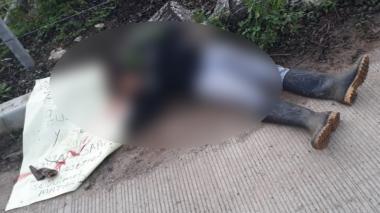 """""""Siga sapeando, que nosotros seguimos matando"""": la asesinan y le dejan un mensaje"""