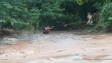 En video   Emergencia por crecientes en ríos de Santa Marta