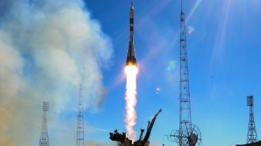 Nave espacial con dos astronautas aterriza de emergencia tras despegue fallido