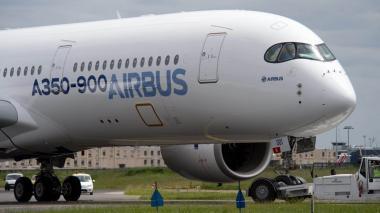 Cuatro pilotos y 16.700 km de distancia, así será el vuelo más largo del mundo