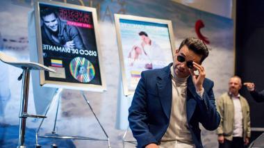 Muchas emociones experimentó Silvestre Dangond durante la entrega de los cinco Discos de Diamante que le entregó Sony Music.