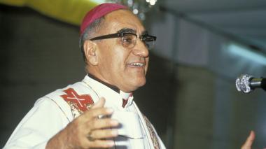 Óscar Arnulfo Romero es desde hoy es primer santo de Centroamérica.