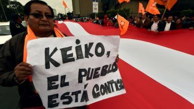 Los simpatizantes entonaron cánticos durante la manifestación.