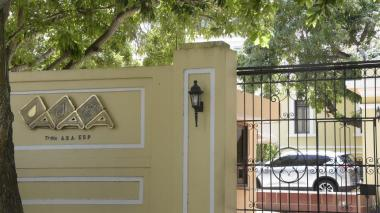 Fachada de la sede Prado de la empresa Triple A.