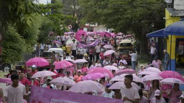 En video   Con marcha, barranquilleros se suman a la lucha contra el cáncer de mama