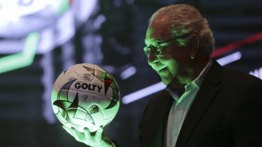 Golty lanza el 'Forza', el nuevo balón del fútbol colombiano