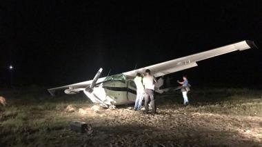 Esta es la avioneta Cessna destruida por la Fuerza Aérea Colombiana el miércoles 30 de octubre, en Manaure, La Guajira, la cual transportaba cocaína.