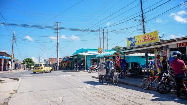 Panorama de la esquina de la carrera 2 con calle 90, en La Redonda, reconocido sector de Santo Domingo.