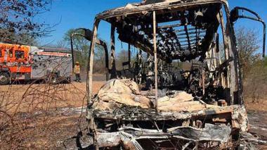 Incendio de bus en Zimbabue deja al menos 42 muertos