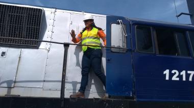 En video | Tren arribó al puerto samario con 4.000 sacos de café
