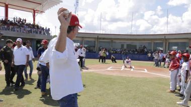 Con juego Atlántico-Bolívar inauguran estadio de béisbol
