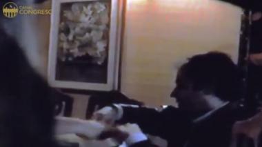 Revelan video que muestra a Gustavo Petro recibiendo una fuerte suma de dinero